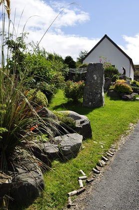 Pier House Self Catering Holiday Cottage Accomodation Elgol - approach to the house