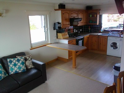 Pier House Self Catering Holiday Cottage Apartment for 2 in Elgol, Isle of Skye - the living area