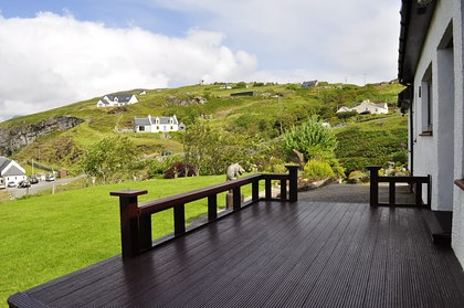 Pier House Self Catering Holiday Cottage Accomodation Elgol- the decking area