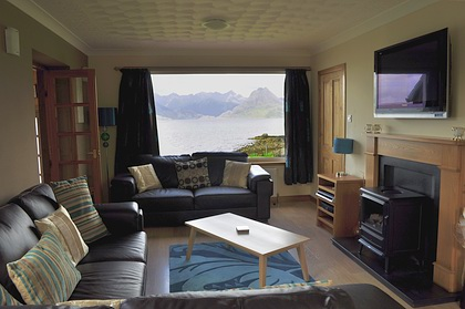 Pier House Self Catering in Elgol - living room with views of Cuillins
